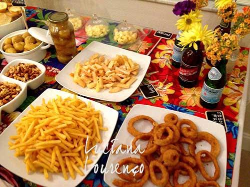 alimentos para se servir na festa de boteco