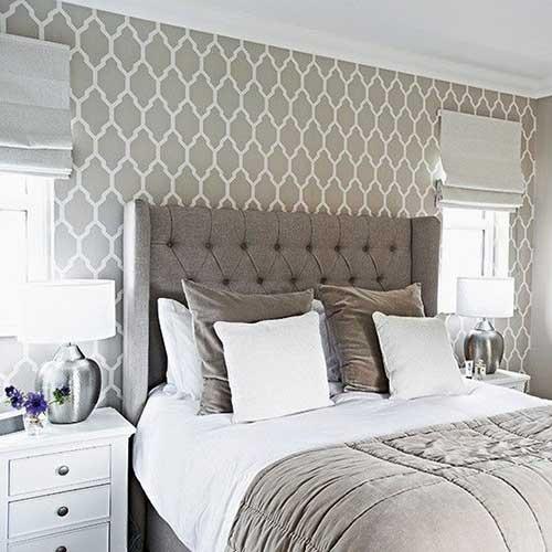 papel de parede bege e branco pra quarto de casal