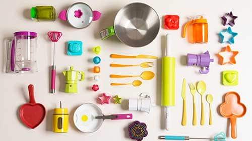 como deixar sua cozinha bem bonita com utensilios coloridos
