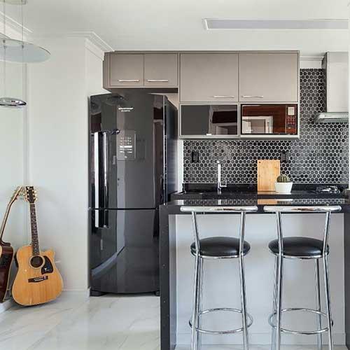 foto de movel planejada em cozinha americana