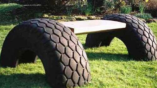 banco criado com pneus velhos