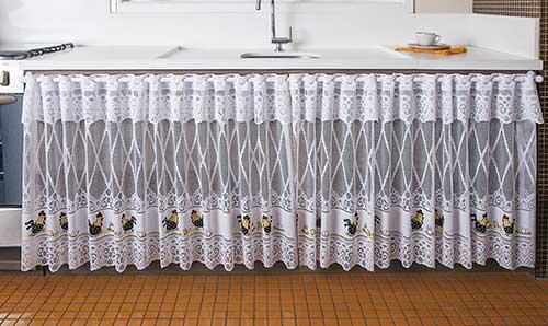 cortina para a pia da cozinha na cor branca