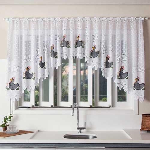 cortina branca em cascata pra janela de cozinha