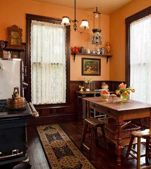 cortina de renda branca para cozinha em madeira