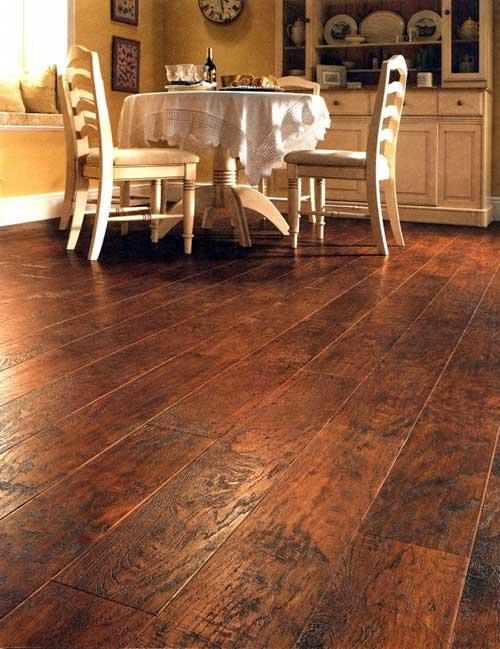 piso vinilico simulando madeira texturizado