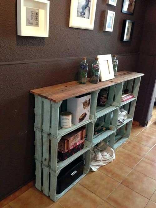 como decorar o corredor usando caixa de madeira