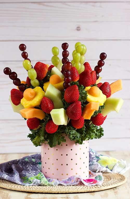bouquet de frutas com abacaxi