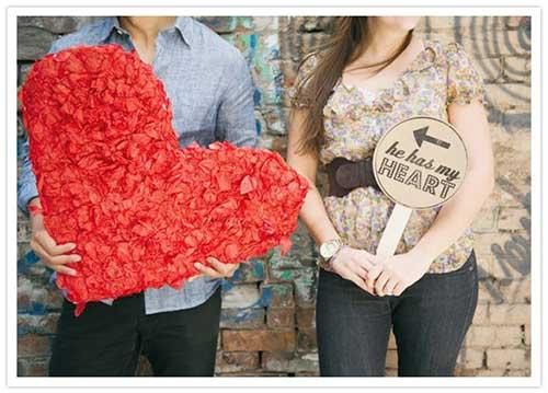 coração de papel crepom vermelho para dar para o amante no dia dos namorados