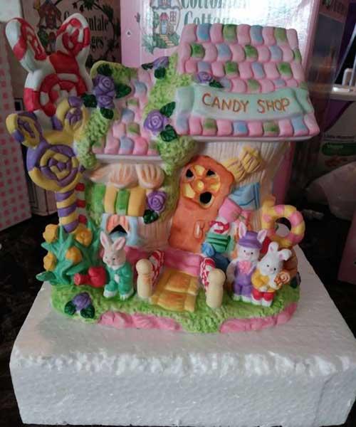 enfeite colorido para loja de doces na pascoa