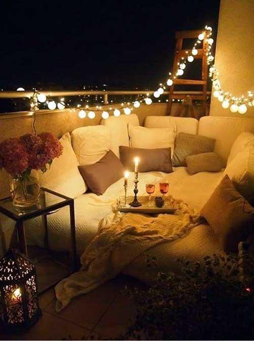 foto de terraço decorado para uma noite romantica