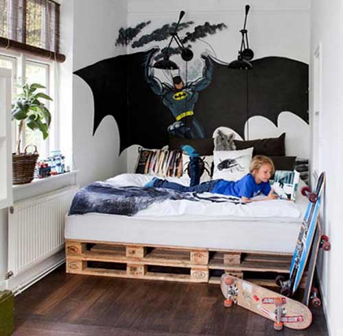 quarto infantil rustico com decoracao do batman