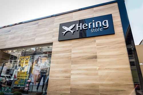 loja Hering tem fachada especial