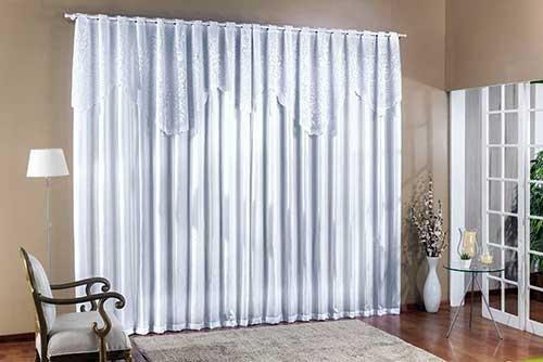 cortina branca de crepe com renda