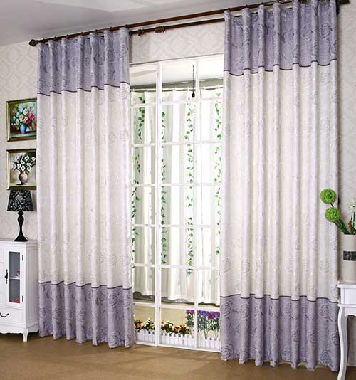 cortina de tnt branca com lilas