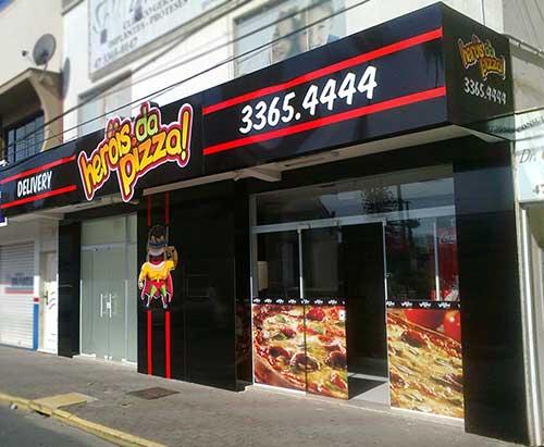 fachada de acm em pizzaria