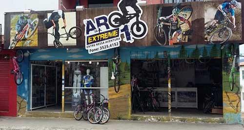 fachada de loja de bikes