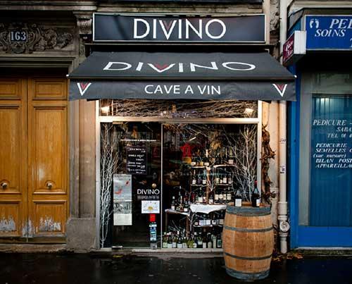 fachada de loja de vinhos estrangeira