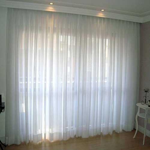 cortina transparente branca em trilho