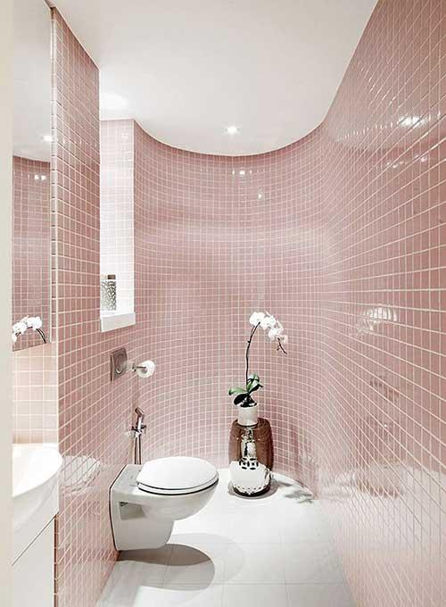 banheiro decorado clean com pastilhas rosa quartzo