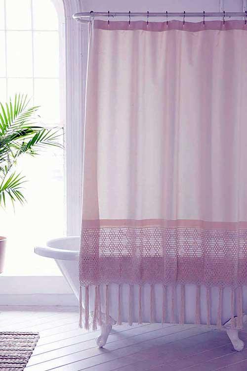 foto de cortina em croche para banheira