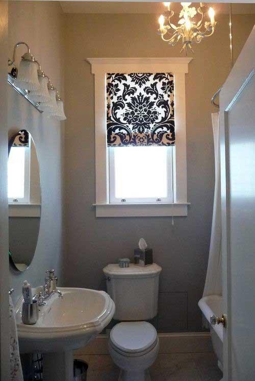 imagem de cortina arabesca em tecido pra janela do banheiro