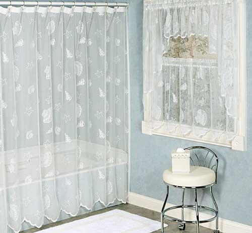 foto de jogo de cortina para banheiro em renda