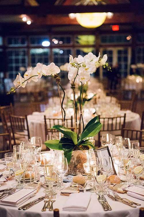 imagem de mesa decorada para casamento