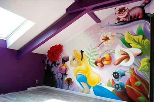foto de quarto de menina com grafite de princesa