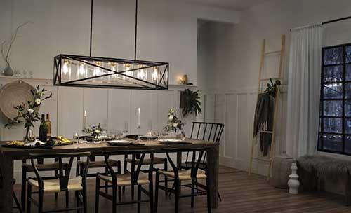 lustre baixo em sala de jantar ampla