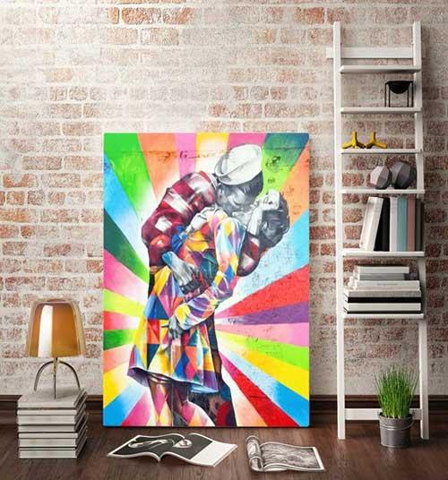 quadro colorido com desenho classico em grafite