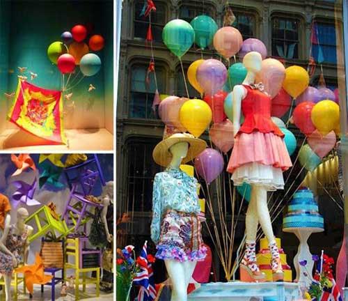 foto de vitrine de loja com varios objetos decorativos