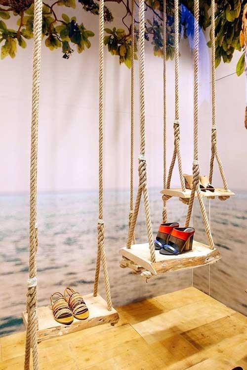 imagem de vitrine decorada com cordas