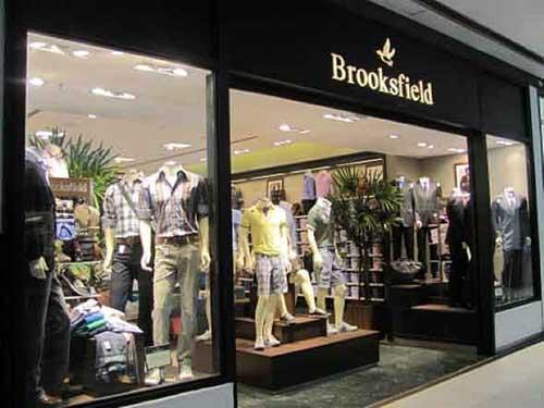 vitrine de loja de roupas masculina