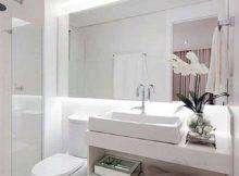 foto de banheiro branco bonito e moderno