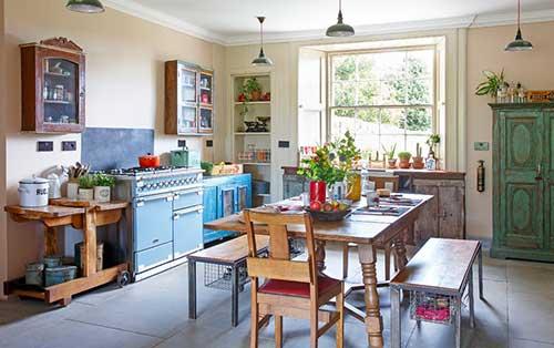foto de sala de jantar vintage acoplada a cozinha