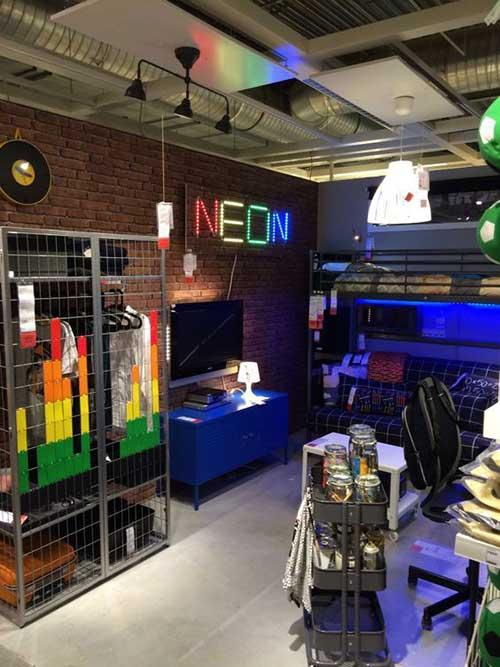imagem de quarto com decoracao industrial e apreciacao por jogos