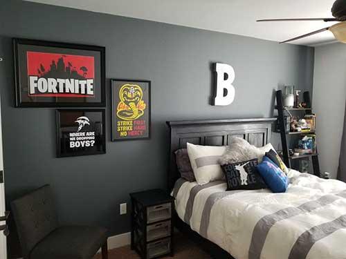 imagem de quarto para menino com tema do fortnite