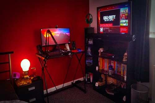 foto do pinterest de quarto gamer vermelho