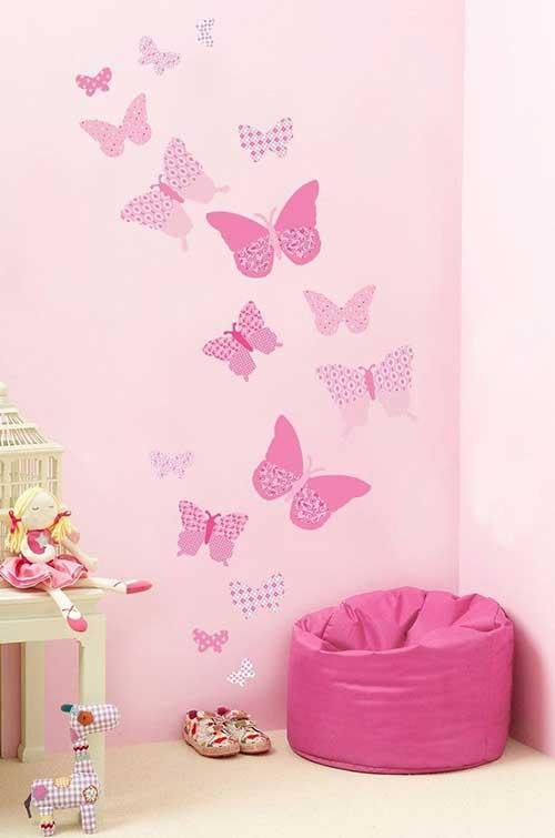 foto de adesivo de borboleta pra quarto rosa