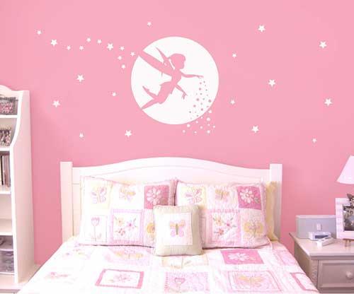 adesivo branco para parede de quarto rosa