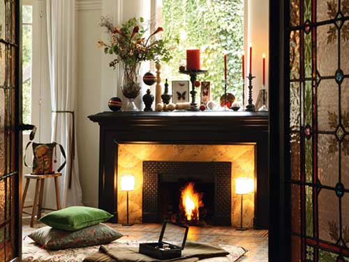 foto de lareira decorada para o natal