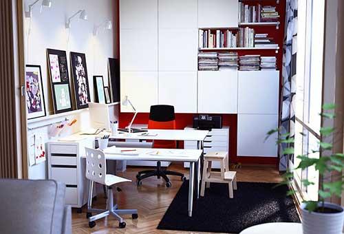 foto de escritorio decorado para engenheiros ou arquitetos