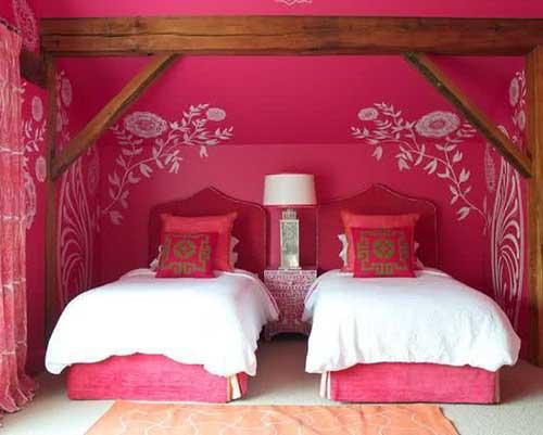 imagem de quarto rosa pink com cama para duas