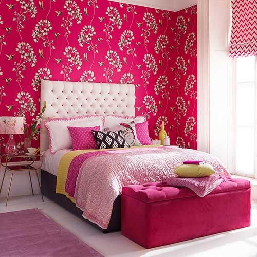 quarto com papel de parede rosa pink floral