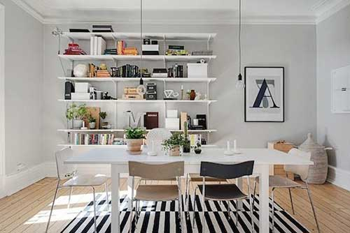 foto de sala de jantar com tapete preto e branco