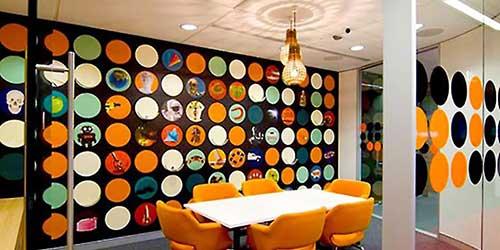 foto de sala de reunioes em escritorio de startup