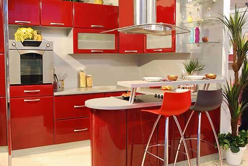 foto de cozinha em apartamento pequeno planejada de forma moderna