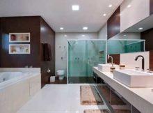 foto de banheiro com porcelanato branco