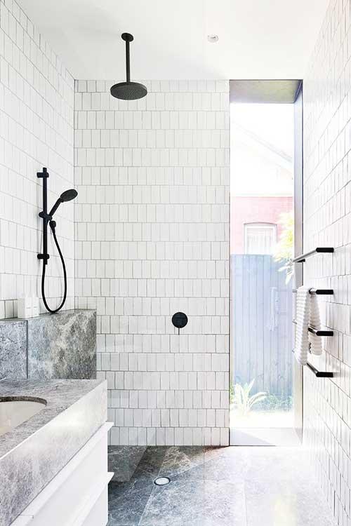 imagem do pinterest de banheiro clean e moderno