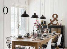 sala de jantar rústica mas com alguns toques de modernidade e leveza na decoração